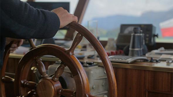 Steering-a-ship.jpg