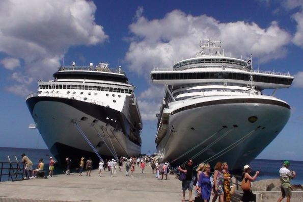 cruise-ships-in-port1.jpg